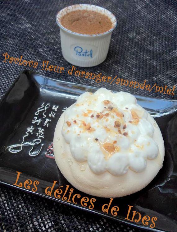 Pavlova fleur d'oranger/amande/miel dans Dessert DSC01828